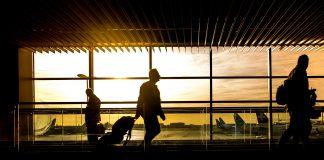 passagerare på flygplatsen